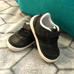 Black  Surprize by stride rite first walkers sz 3